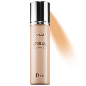 DiorSkin Airflash Spray Foundation leaves skin luminous and radiant.